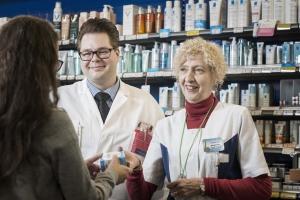 Lääkehoidon arviointi lisää asiakkaiden tyytyväisyyttä Hakunilan apteekissa