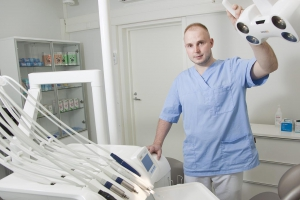 Helmi auttoi hammaslääkärin sujuvaan alkuun