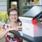 Itsepalvelukassa vauhdittaa myyntiä myös pienessä sivuapteekissa
